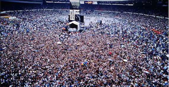 Bad tour crowd