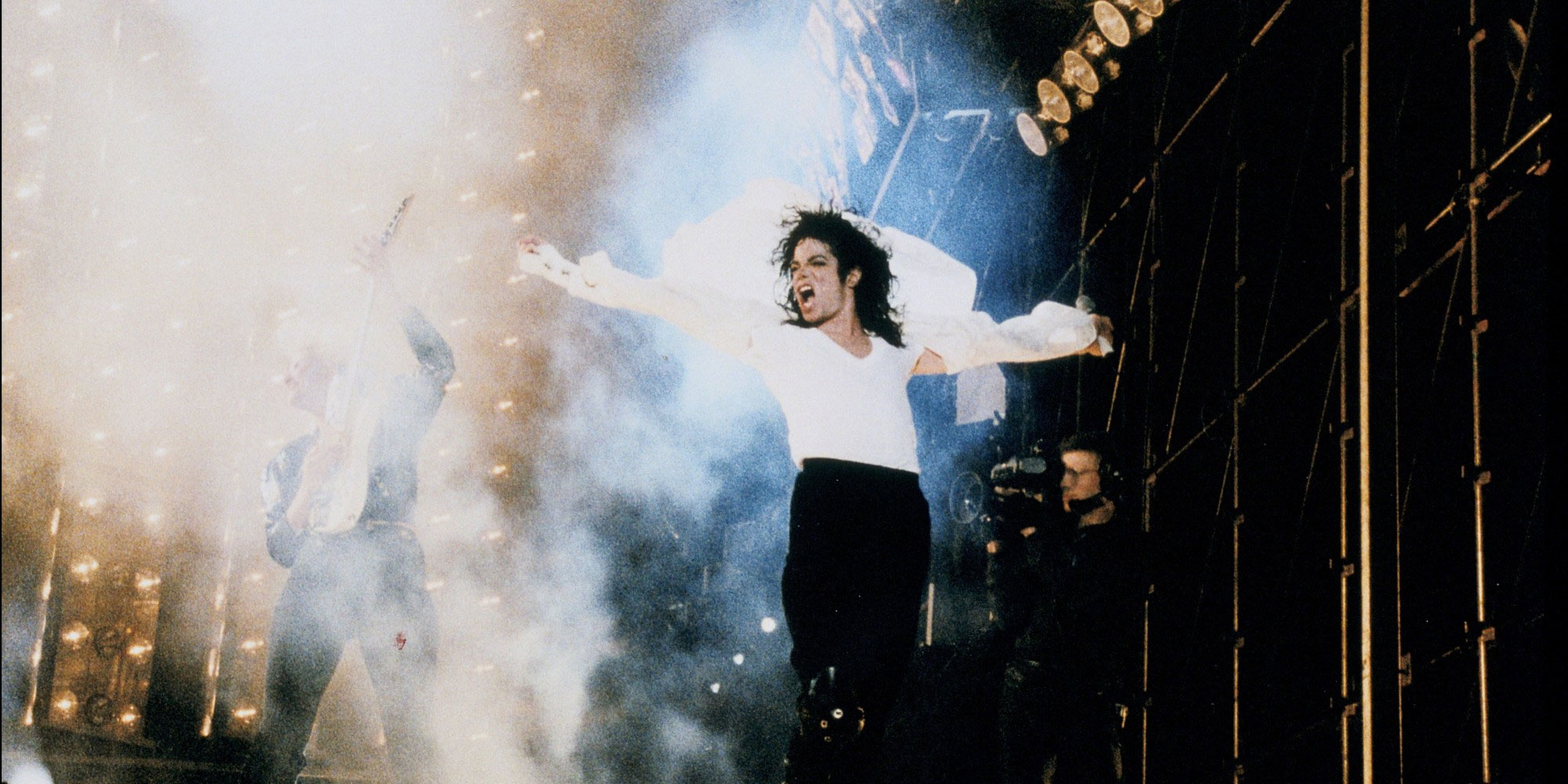 MJ On Stage Bad Tour