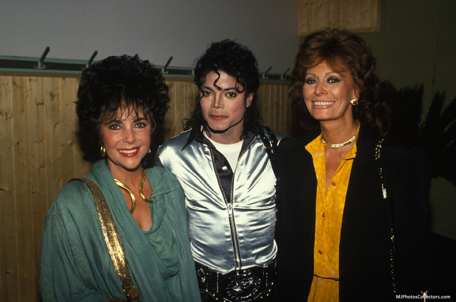MJ With Elizabeth Taylor and Sophia Loren