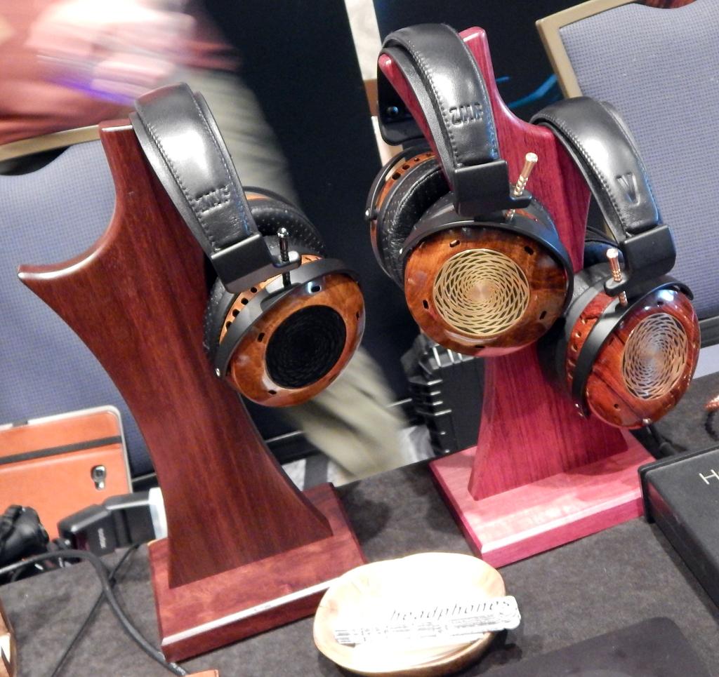 ZMF VÉRITÉ Headphones, ZMF Salire Headphone Stand, ZMF VÉRITÉ Headphones, ZMF VÉRITÉ LTD Headphones, ZMF Salire Headphone Stand