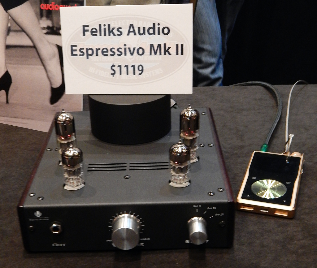 Feliks Audio Espressivo Mk II Headphone Amplifier, Questyle QP2R DAP