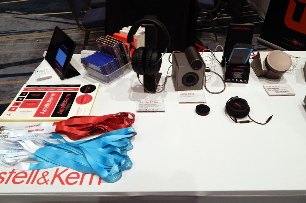 Astell&Kern AK T5p 2nd Gen, Astell&Kern ACRO S1000 Speaker, Astell&Kern KHAN DAP, Astell&Kern ACRO L1000 DAC Amplifier, Astell&Kern PEE31 Aux Cable