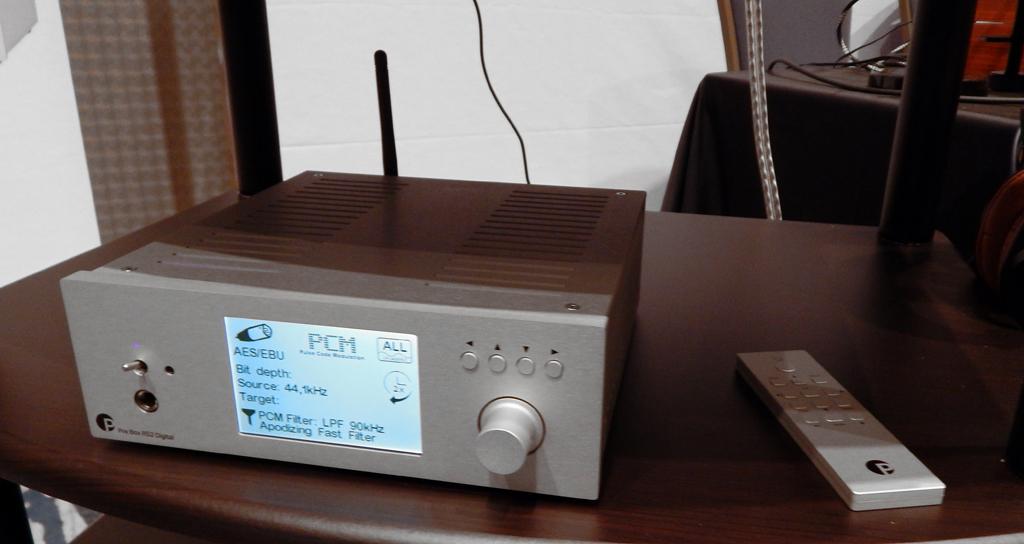 Pro-Ject Pre Box RS2 Digital DAC/Headphone Amplifier/Preamp