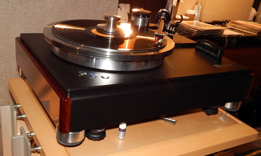 VPI HW40 Direct Drive Turntable